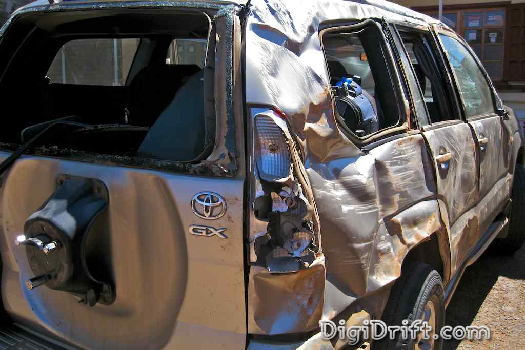 The damage to the right hand side of the vehicle